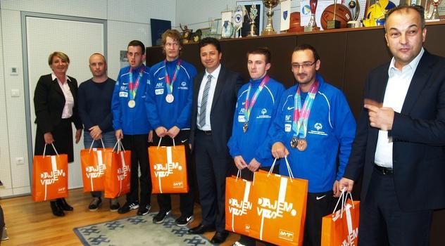 Predstavnici Specijalne olimpijade uručili zahvalnicu BH Telecomu