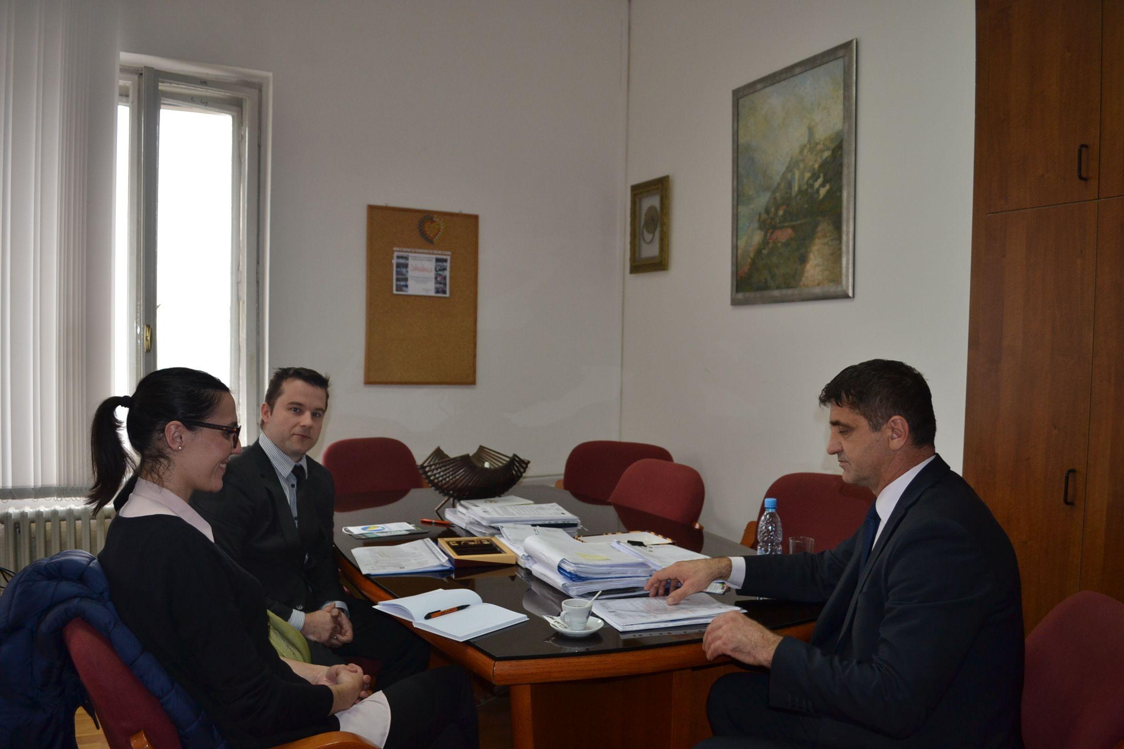 Ministar Kazazović i predstavnici projekta Osnovna.ba: Online edukacija je budućnost