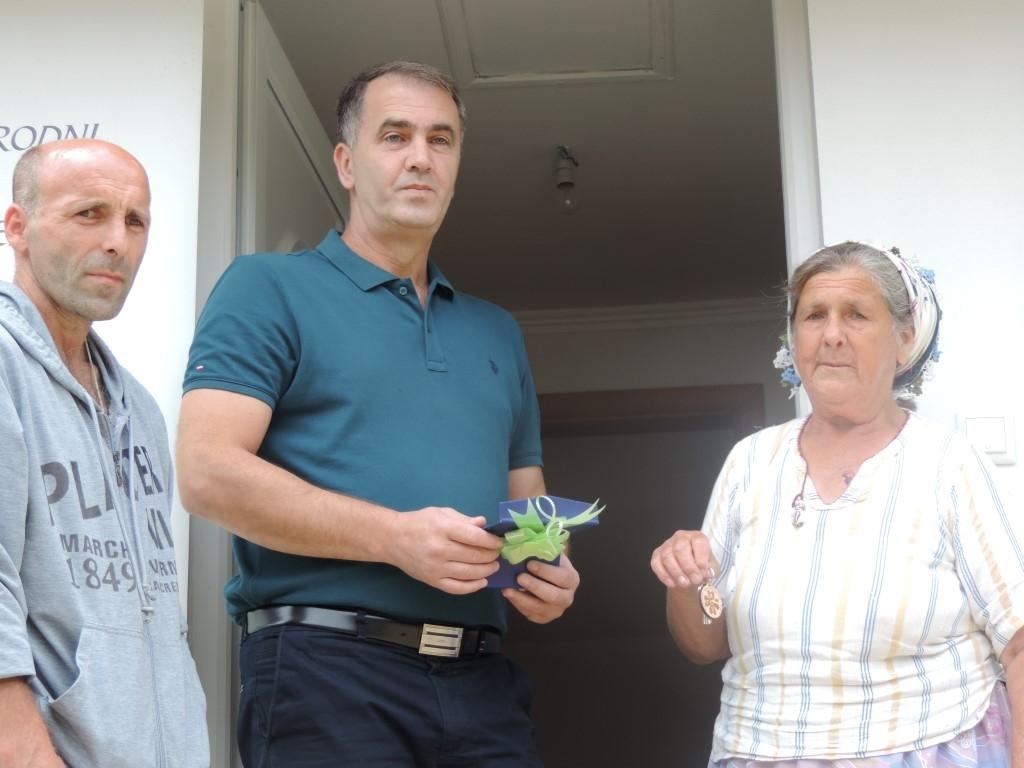 Dobro se boljim vraća: Nakon samo tri mjeseca izgradnje uručeni ključevi kuće porodici Suljkanović