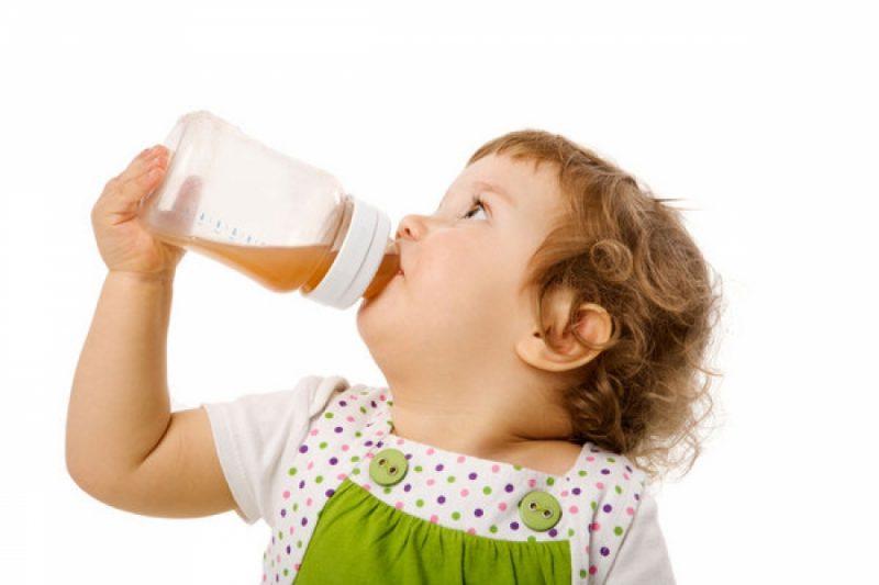 Kalendar dohrane – kada uvesti krutu hranu kod beba?