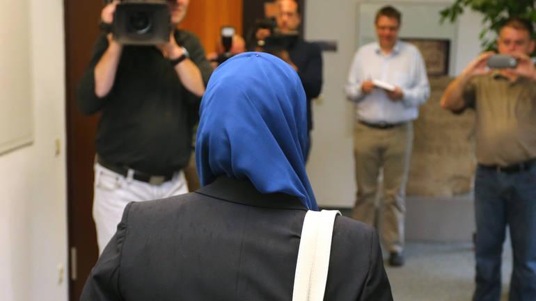Njemačka: Nastavnici isplaćena odšteta zbog zabrane da radi pokrivena