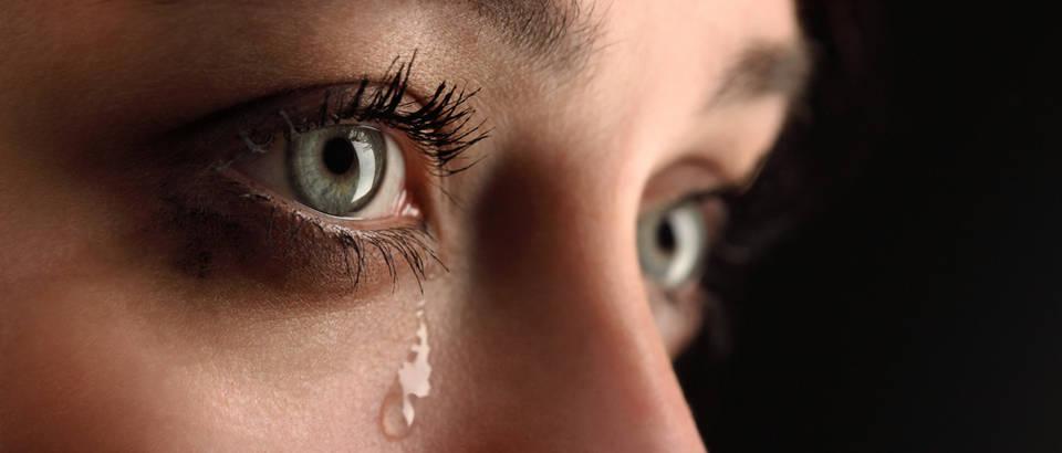Oče, zašto moja majka plače bez razloga?
