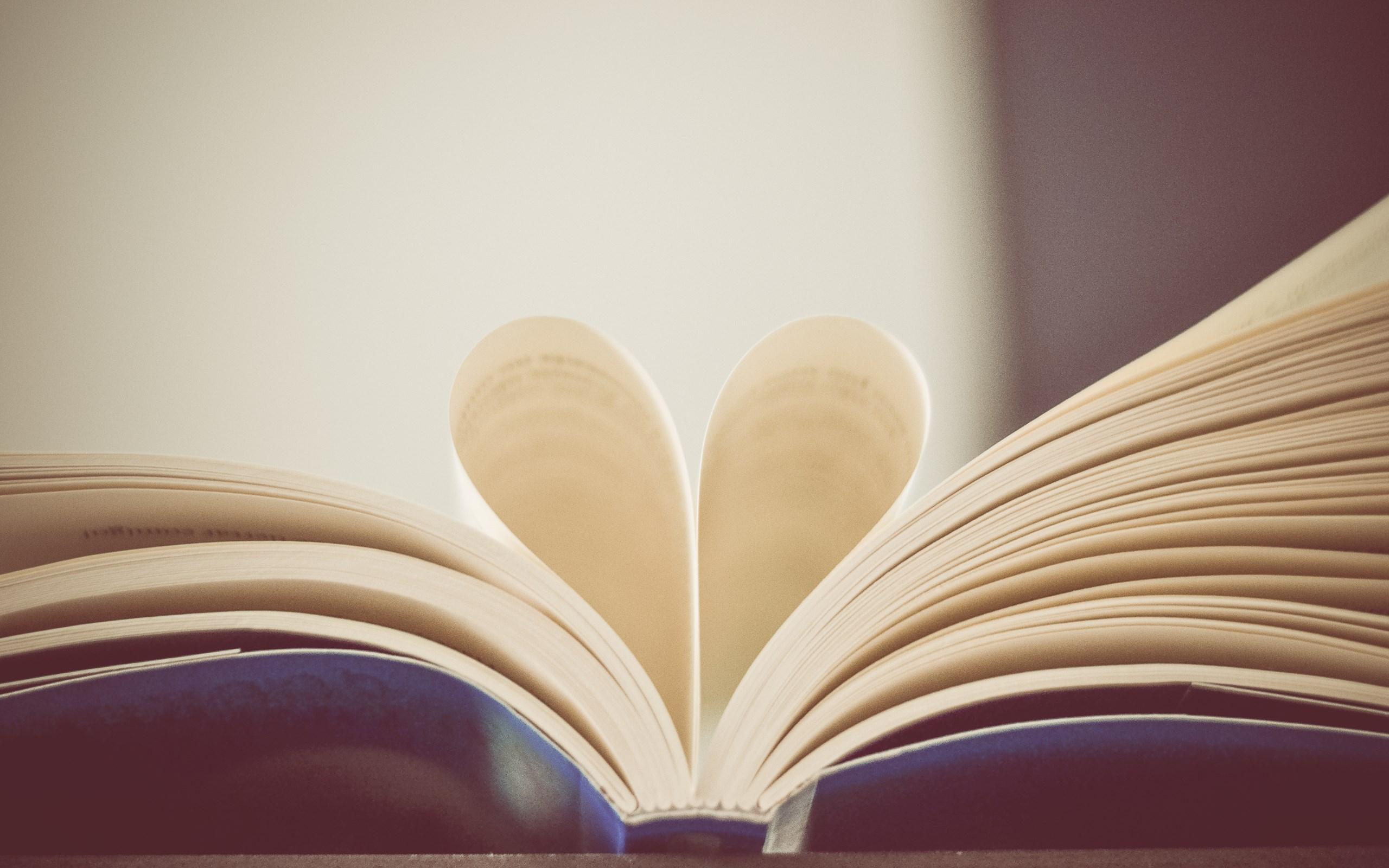 Ljubav je iskon dobrote: Osvrt na roman Altruista (anomalije srca)