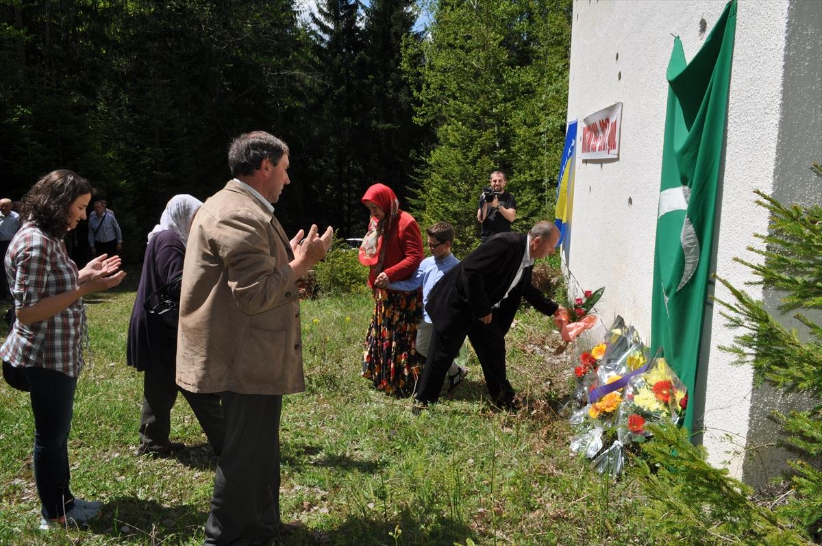 Mostina: Obilježena 25. godišnjica stradanja Bošnjaka Čajniča