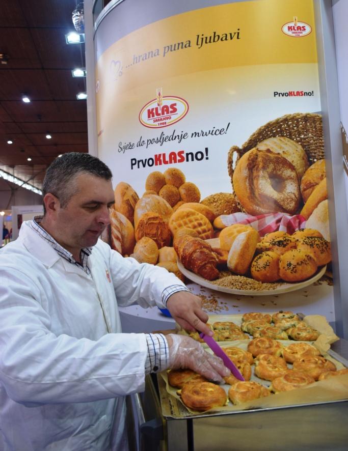 Poljoprivredni sajam u Novom Sadu: Posjetitelje najviše privlači miris Klasovih somuna i pita