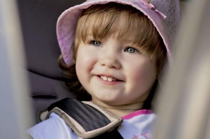 10 najčešćih grešaka prilikom vožnje djeteta u automobilu