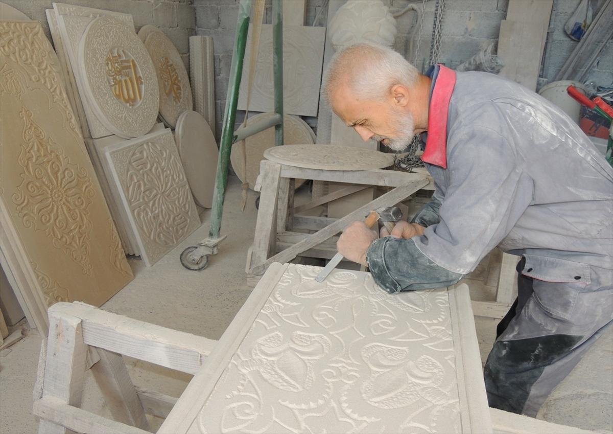 Enes Toromanović: Klesar koji čuva tradicionalnu izradu nišana od bihacita