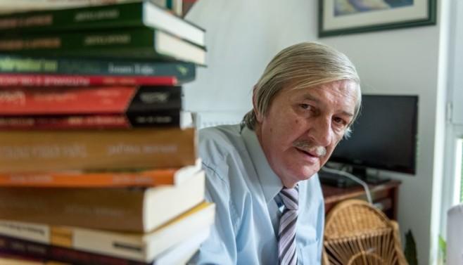 Umro književnik Isnam Taljić