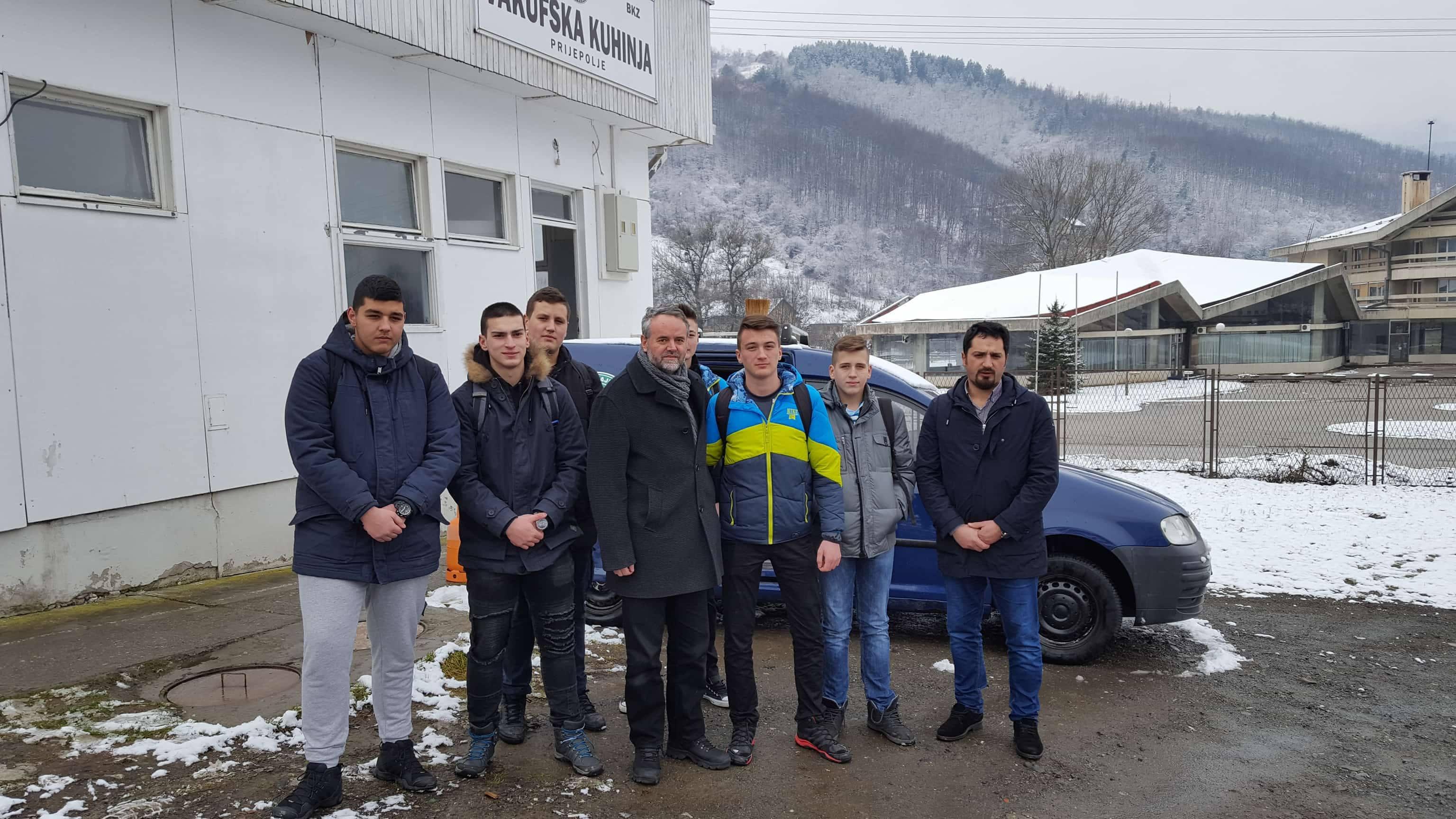 Učenici srednje Tehničke škole iz Prijepolja pomogli rad vakufske kuhinje