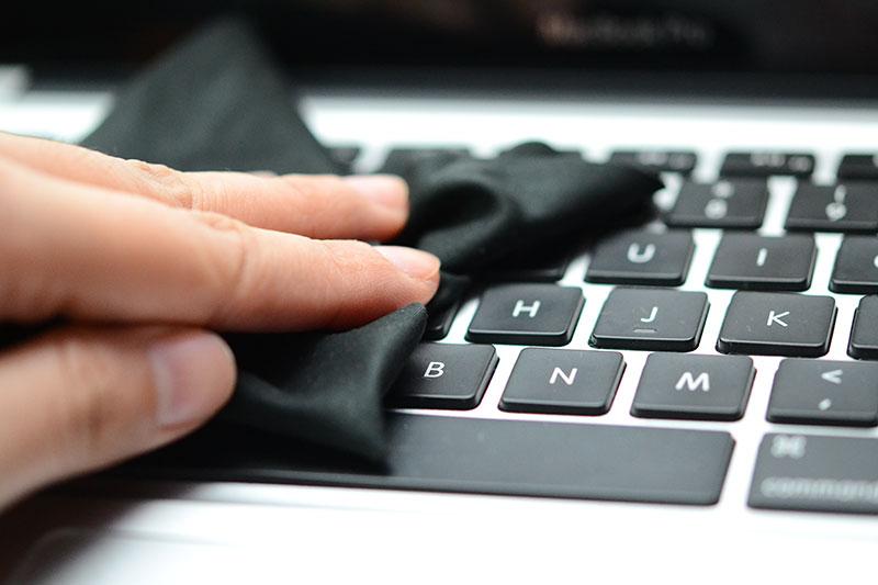Kako na najbolji način očistiti tastaturu?