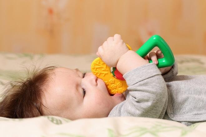 Nicanje zubi – prirodni lijekovi za olakšanje bolova