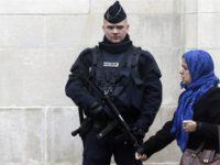 Francuski muslimani pozivaju Macrona da se ne miješa u islam