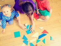 Savjeti pedagoga za majke: Svakog dana provedite na podu sat vremena