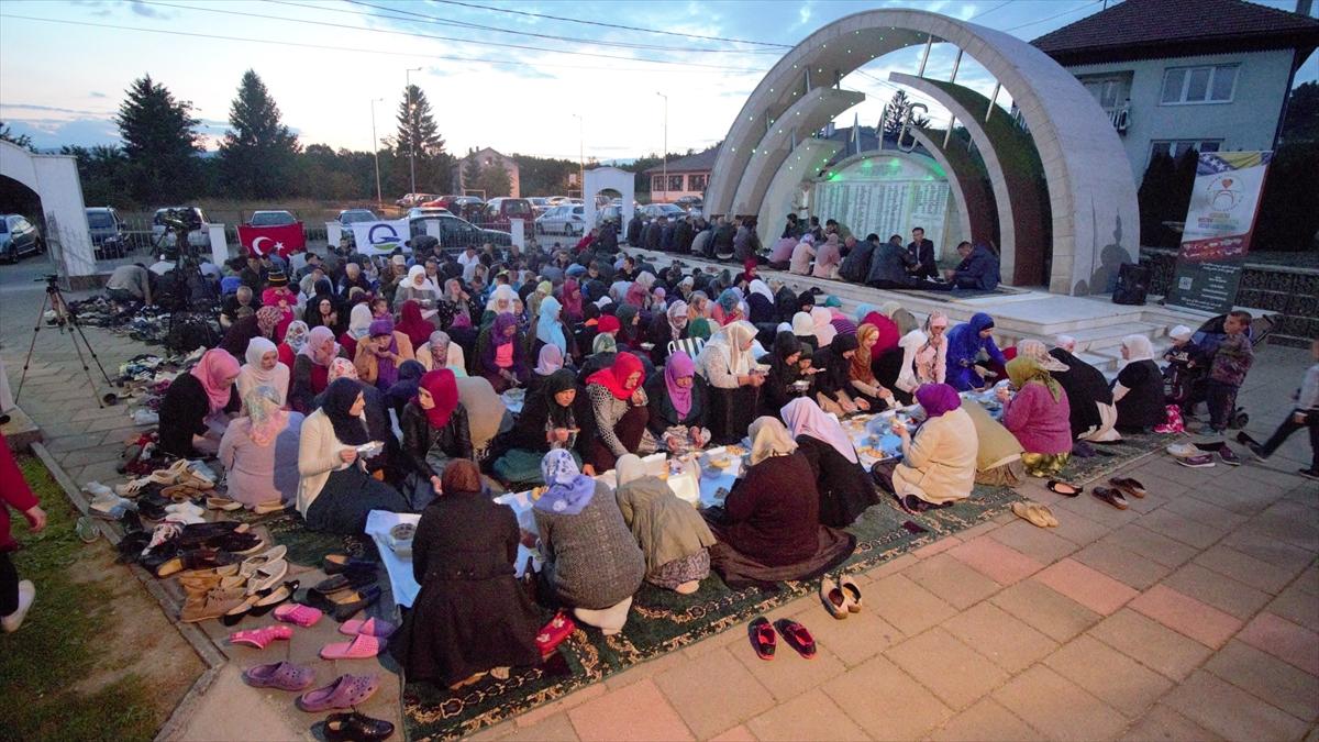 U Ahmićima organizovan iftar za više od 200 postača