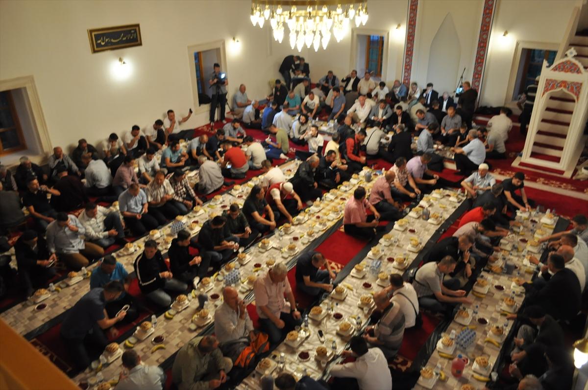 Iftar u fočanskoj Carevoj džamiji: Uskoro obnova džamije i medrese Mehmed-paše Kukavice