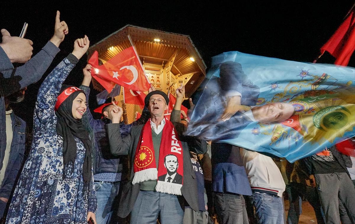 U Sarajevu slavlje nakon pobjede Erdogana i AK Partije na izborima u Turskoj