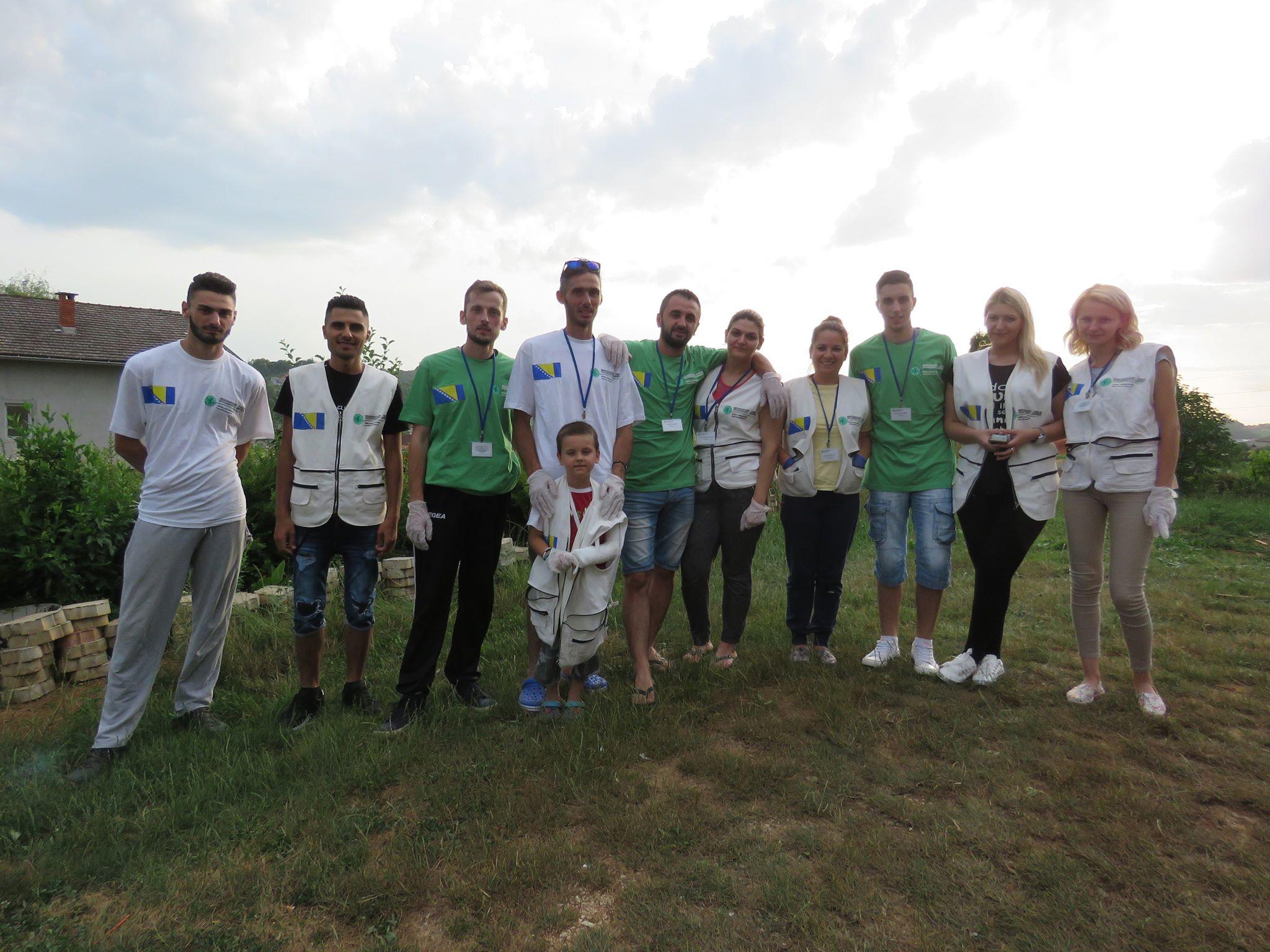 MFS-EMMAUS: Nastavljamo pomagati migrante u V. Kladuši i nakon Ramazana