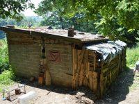 Sedmočlanoj porodici Bašić hitno potreban krov nad glavom