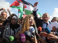 Palestinka Ahed Tamimi (17) i njena majka oslobođene iz izraelskog zatvora