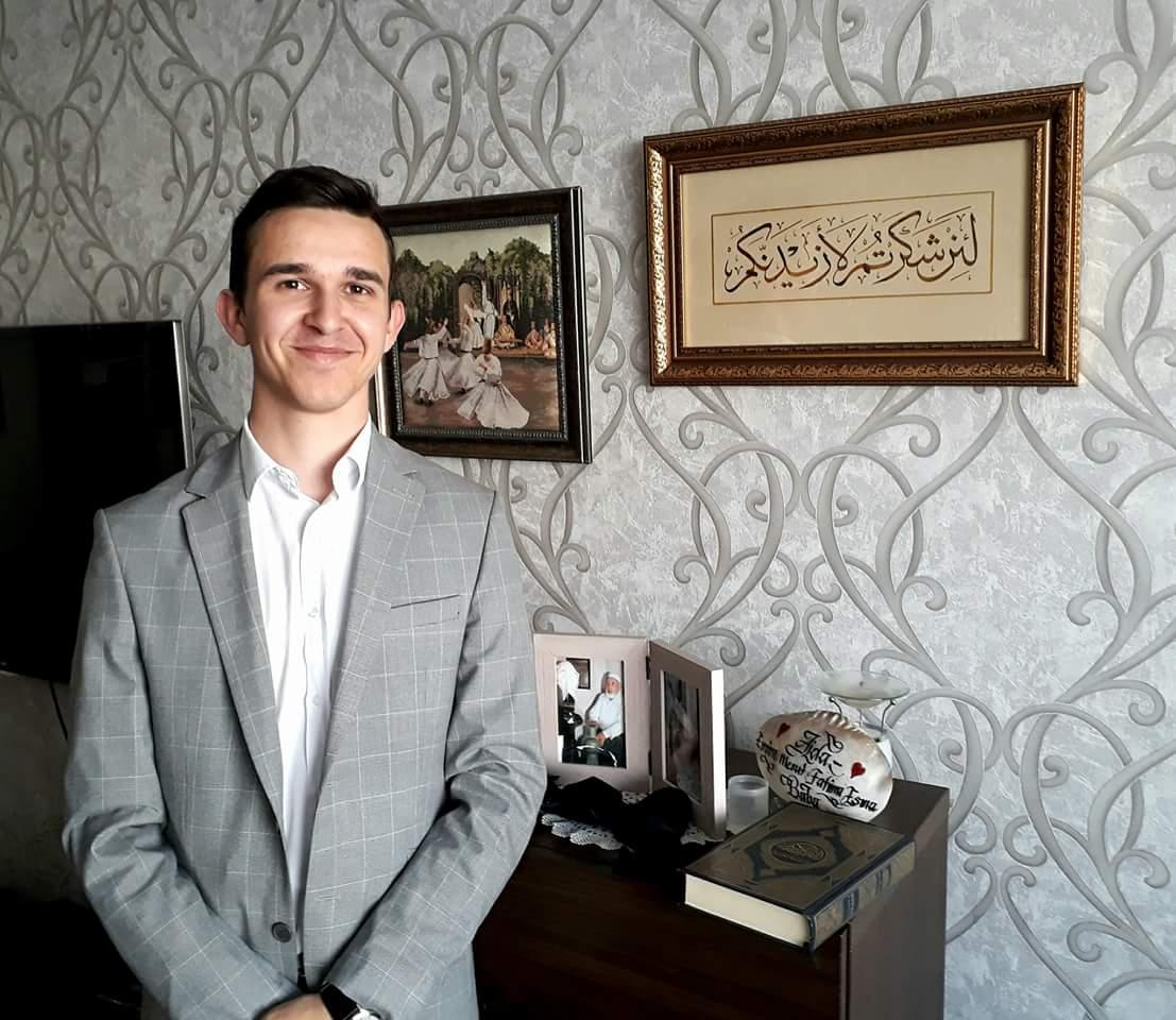 Abdulhak Hadžimejlić za Akos.ba: Kaligrafija mi pomaže da budem bolji čovjek