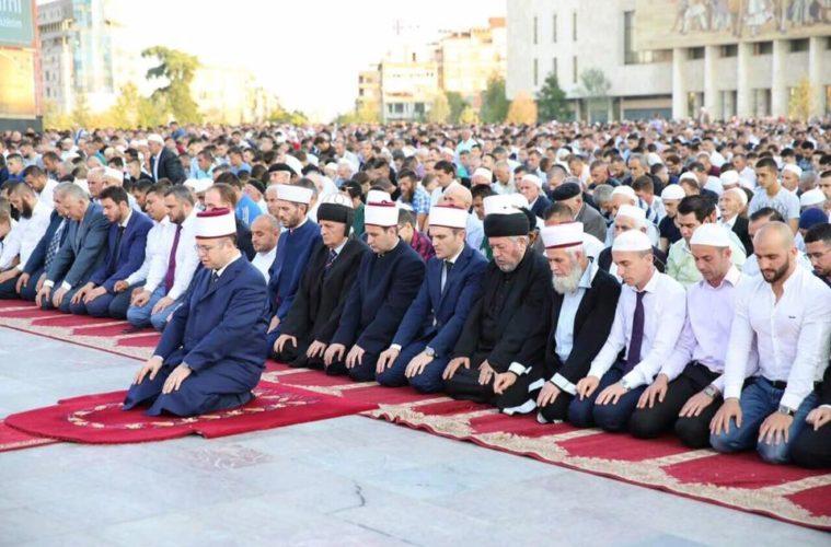 Muslimani širom svijeta obilježavaju Kurban-bajram