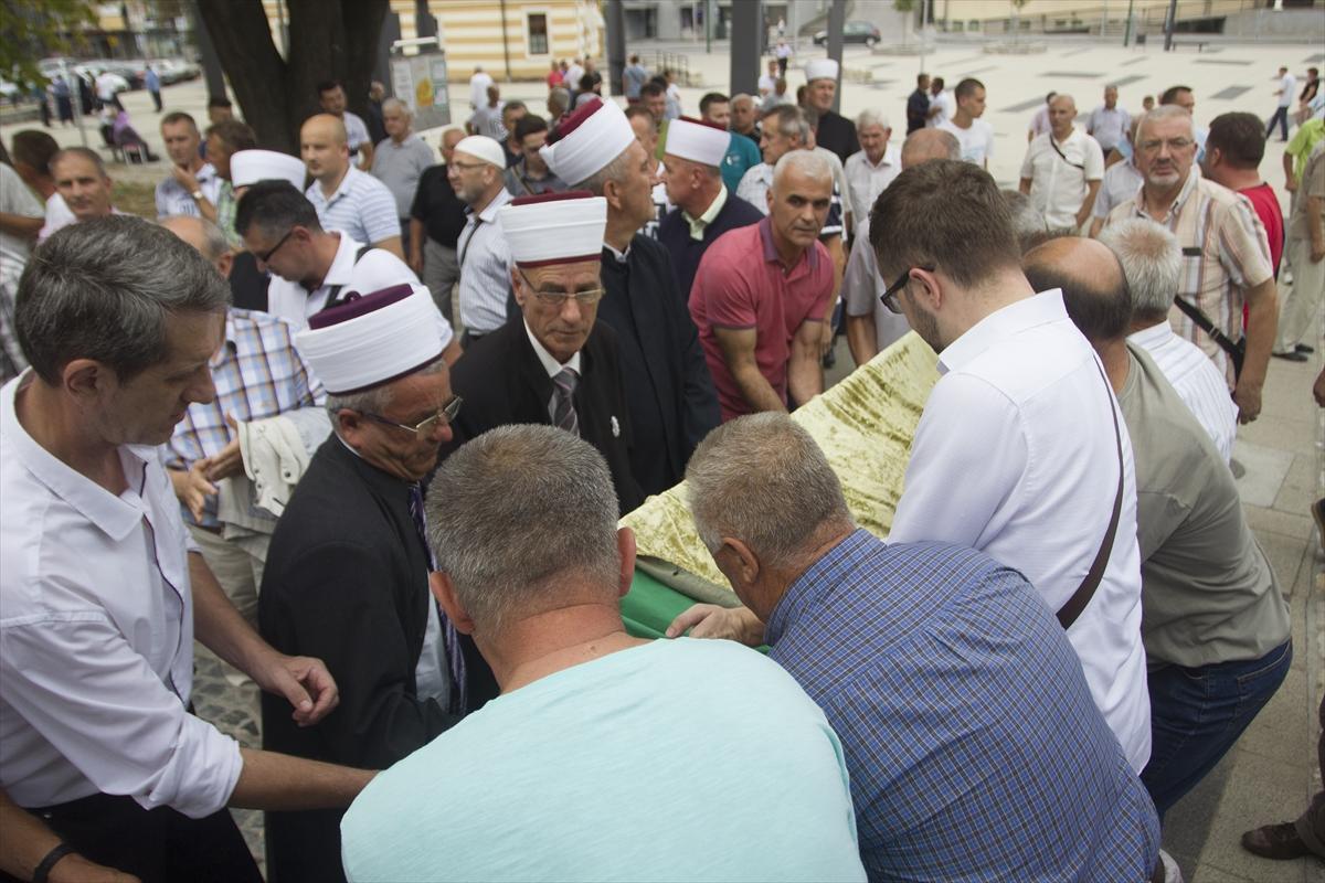 Klanjana dženaza i obavljen ukop Adema ef. Hadžića, jednog od komandanata odbrane Gradačca