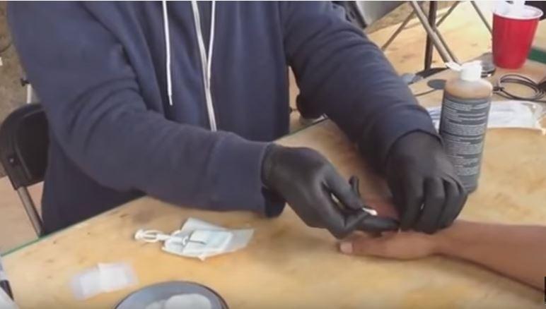 Da li biste dopustili da poslodavac u vaš dlan stavi mikročip