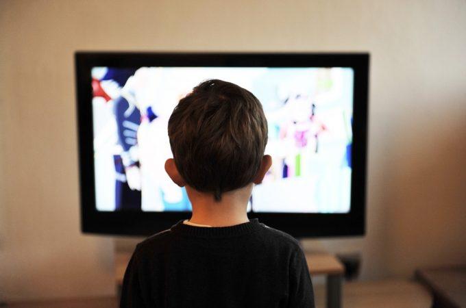 Reklame imaju veći uticaj na nasilje mladih nego nasilne slike