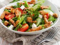 Brzi ručak: Pileća salata s grill piletinom i povrćem