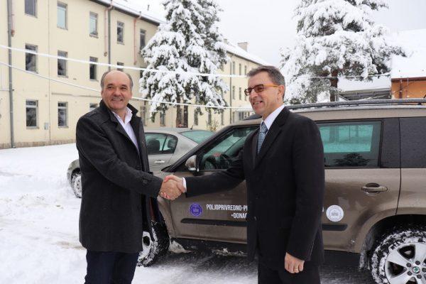 Hifa Oil donirala Poljoprivrednom fakultetu automobil: Izudin Ahmetlić održao predavanje