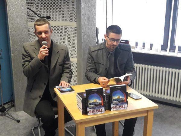 """U džematu Hidaje promovirana knjiga """"Snijeg u Damasku"""""""